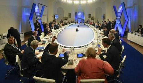 NATO ne želi da se uključi u razgovore Kosova i Srbije 14