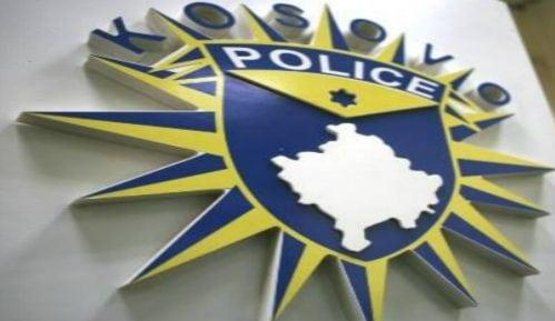 Kosovo onlajn: Polomljena kapija crkve Svetog Nikole u Gnjilanu 15