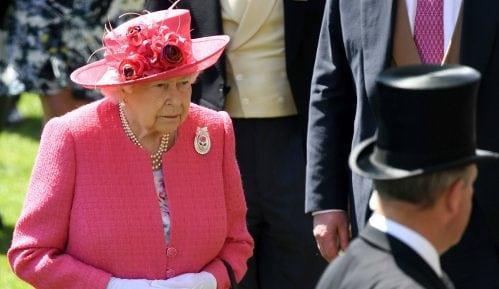 Rođendan kraljice bez počasnih plotuna 11