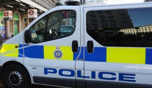 Muškarac izboden nožem u džamiji Londonu, osumnjičeni uhapšen 50