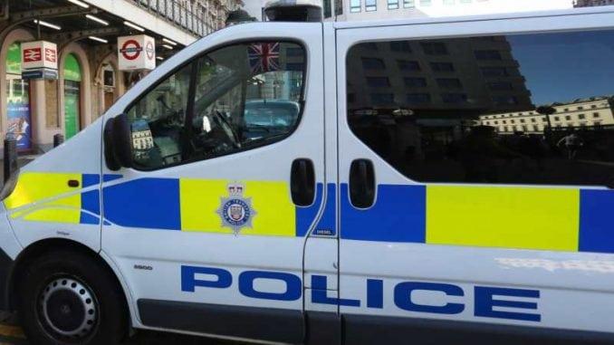 Muškarac izboden nožem u džamiji Londonu, osumnjičeni uhapšen 3