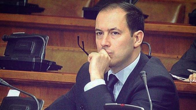Dejan Nikolić: Ne bojim se da će DS izgubiti identitet 2