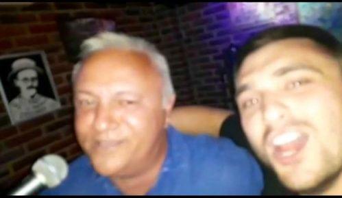 """Mlađan Dinkić pevao """"Hipnotisana gomila"""" 2"""