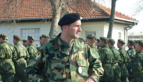 Oficiri napuštaju vojsku i odlaze za kamiondžije 9