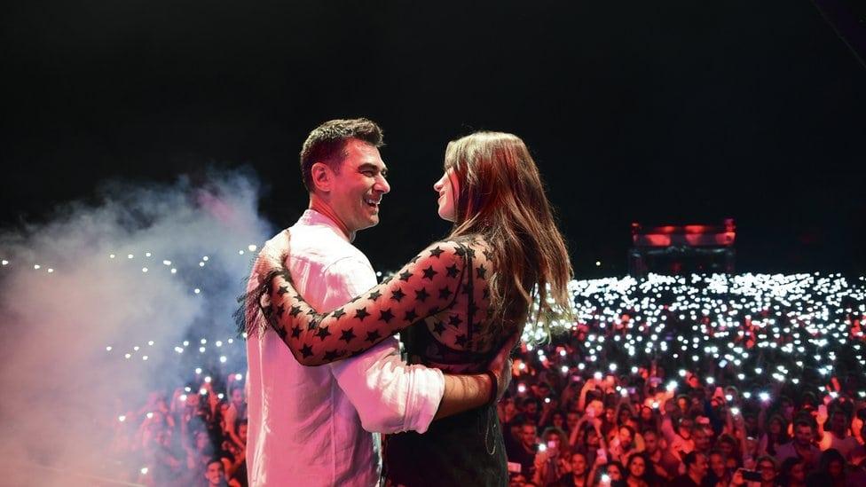 Dua Lipa sa ocem Dukadžinom Lipom na koncertu u Prištini 2016. godine