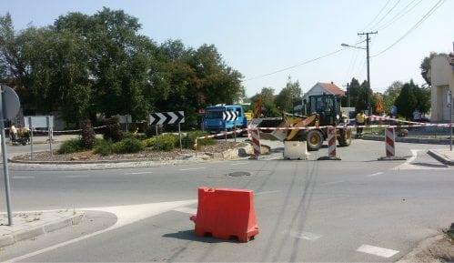 Tri godine nakon izgradnje počela sanacija kružne raskrsnice u Ulici Žarka Zrenjanina 15