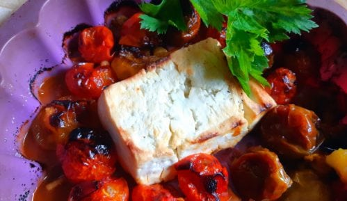 Saganaki- Zapečen sir u rerni sa čeri paradajzom (recept) 10