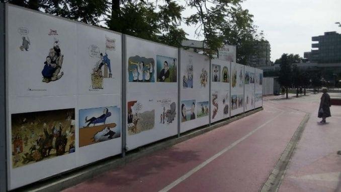 Karikature na Gradskom trgu 1