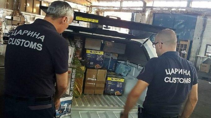 Zadržano preko 2 tone tekstila na Gradini i u Subotici 3