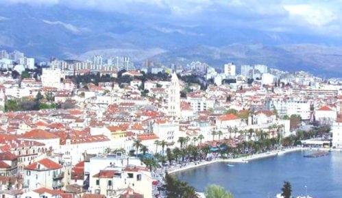 U crkvi u Splitu napadnuta novinarka zbog izveštavanja sa mise održane uprkos zabrani okupljanja 1