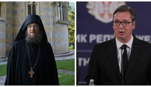 Ko će pobediti u otvorenom sukobu Vučićeve vlasti i crkve? 13