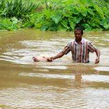 Skoro 400 mrtvih u poplavama u Indiji 1