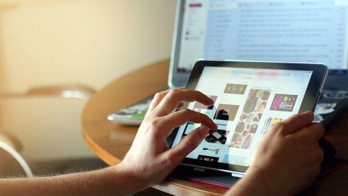 Matić: 86 odsto dece i mladih od devet do 17 godina u Srbiji intenzivno koristi internet 1