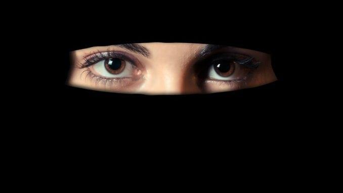 Sve više zemalja u Evropi zabranjuje nošenje nikaba 1