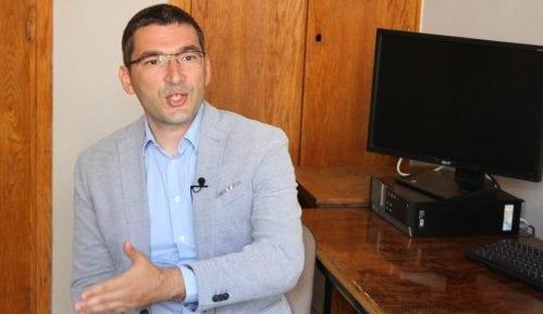 Parović: Ja sam objavio snimak prebijanja mladića u Novom Sadu, neka me policija uhapsi 13