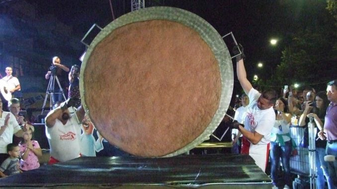 Oboren rekord u veličini pljeskavice 1