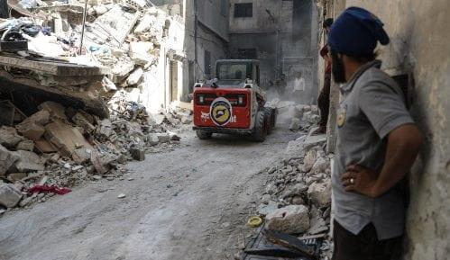 Izraelska vojska napala Gazu i Siriju posle palestinskog raketiranja 51