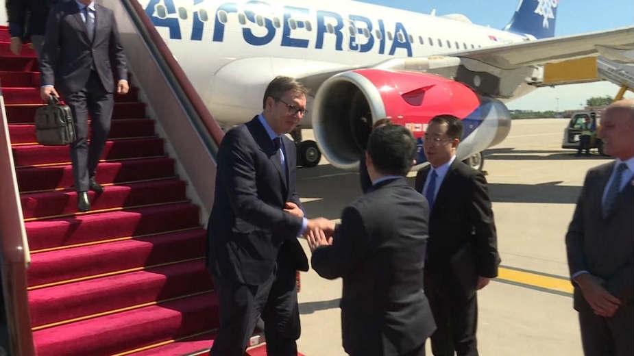 Vučić s Kinezima potpisuje ugovore za već poznate poslove 1