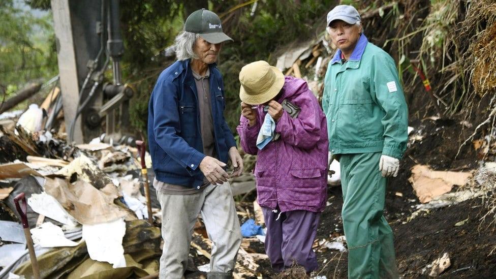 Stanovnici sela u Japanu nakon zemljotresa