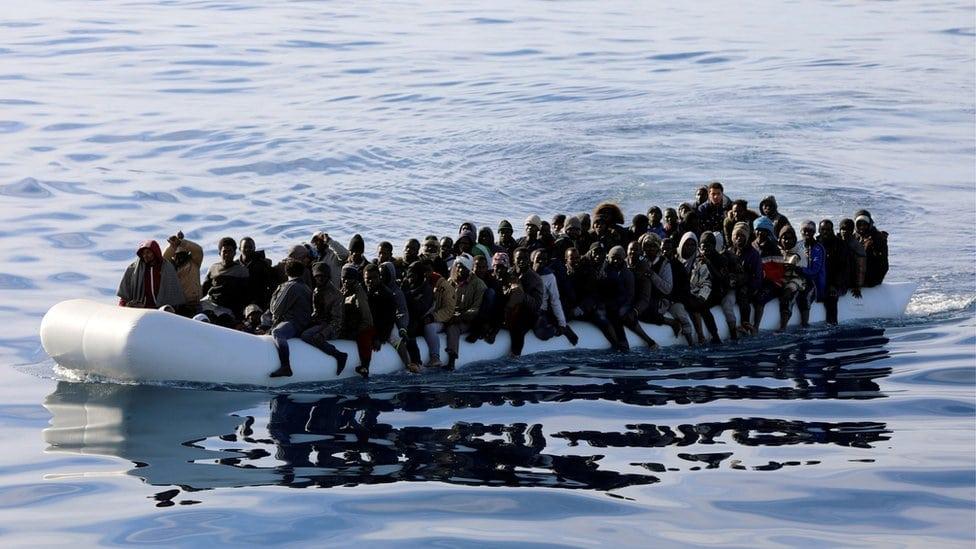 Migranti na gumenom čamcu
