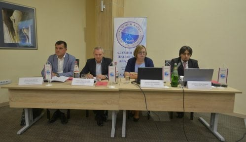 "AKPA: Izmenama zakona do rešenja ""masovnih sporova"" 12"