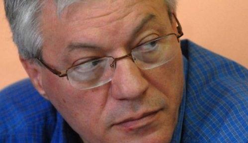 Veljanovski: Vučić preko pseudo događaja uzurpira vreme u nacionalnom dnevniku 2