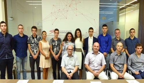 Elektromreža Srbije stipendira deset novih srednjoškolaca 8