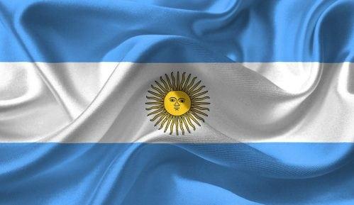 Argentina: Ukidaju se ministarstva, pezos rekordno nizak 15