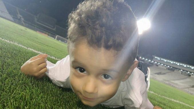 Mali Dušan otputovao u Barselonu na lečenje (VIDEO) 1