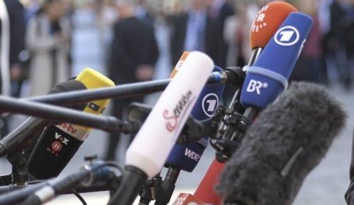 Hrvatski novinari bojkotovali poslanika 9