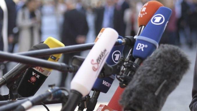 Medijska koalicija najoštrije osudila agresivnu kampanju lustrovane politike 4