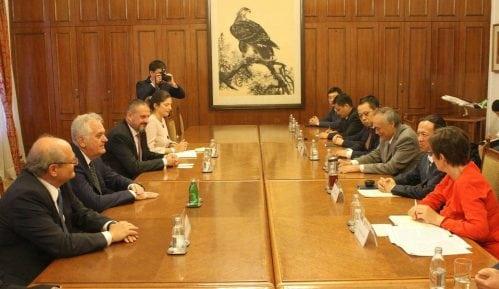 Nikolić sa kineskom delegacijom o dolasku investitora u Srbiju 15