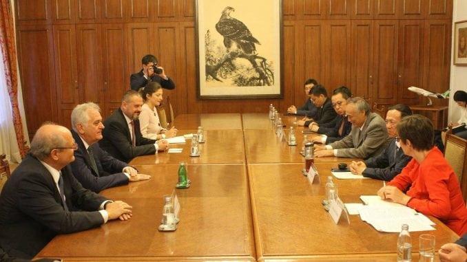 Nikolić sa kineskom delegacijom o dolasku investitora u Srbiju 3