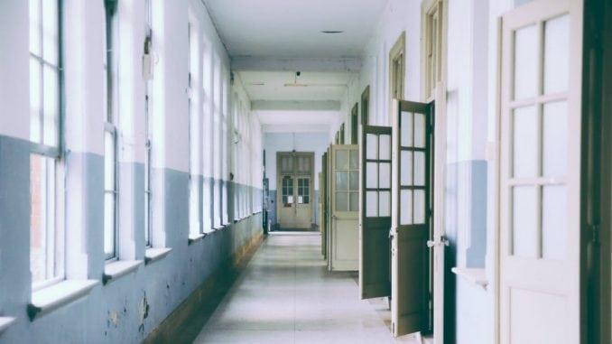 U školama i obdaništima u Moravičkom okrugu za tri dana 28 novozaraženih 5