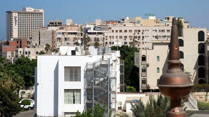 Snage Kalife Hiftera tvrde da su zauzele glavni aerodrom u Tripoliju 4