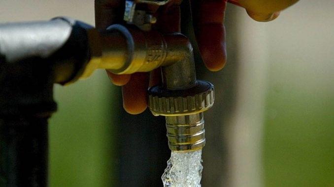 Stanovnici višespratnica u Zrenjaninu trenutno bez vode 4