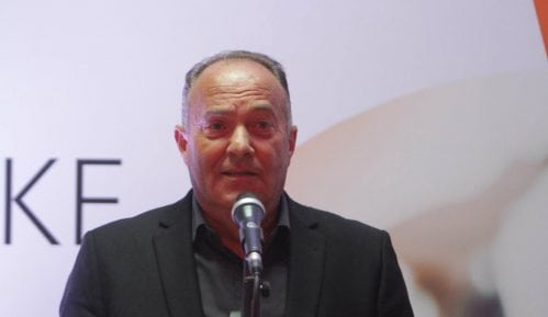 Incident na Niškom univerzitetu, Šarčević vređao novinare 2