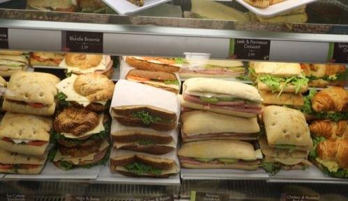 BiH: Više od 70 ljudi otrovalo se hranom u jednom fast-fudu 15