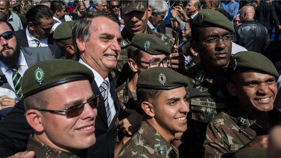 Bolsonara sve vreme podržava vojska