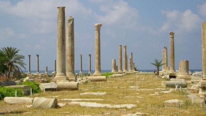 Liban (5): Dragoceni purpurni prah 1