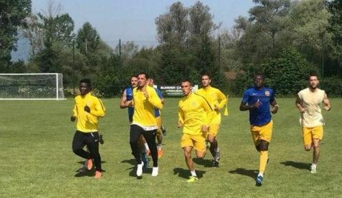 Fudbaleri Dinama protestuju u centru Vranja 6