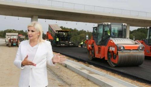 Zašto je cena autoputa Pojate-Preljina skočila sa 500 miliona na 800 miliona evra 12