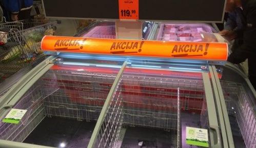 Kupci u Lidlu razgrabili piletinu i banane (FOTO) 1
