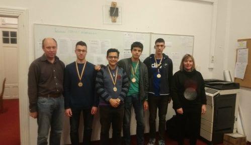 Medalje za srpske učenike na takmičenju iz informatike 10