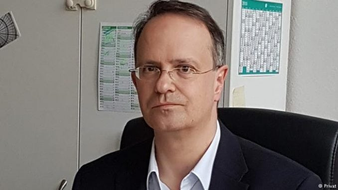 Veber: Proterivanjem ambasadora Srbije odlazeća crnogorska vlast podriva novu vladu 1