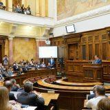 Naprednjaci u Skupštini o Danasu: Sramota za srpsko novinarstvo 5