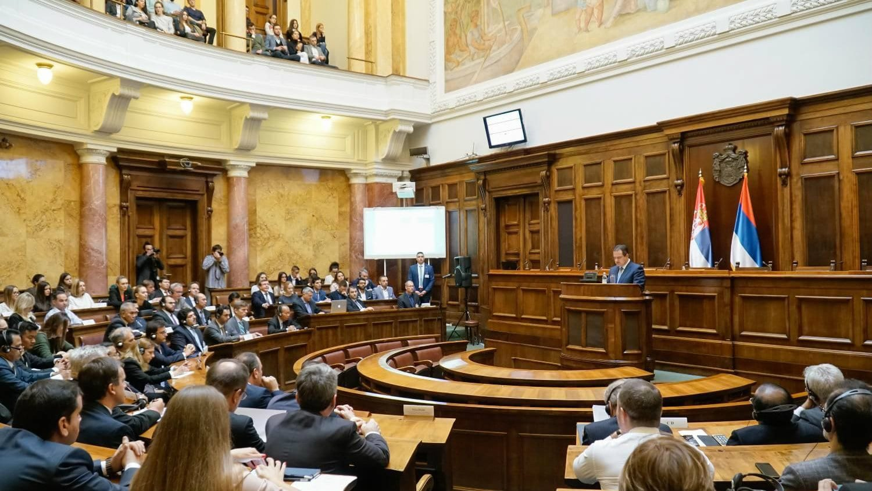 Naprednjaci u Skupštini o Danasu: Sramota za srpsko novinarstvo 1