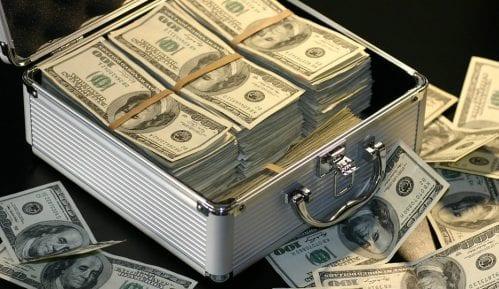 Deficit saveznog budžeta SAD dostigao rekordnih 207,8 milijardi dolara 3