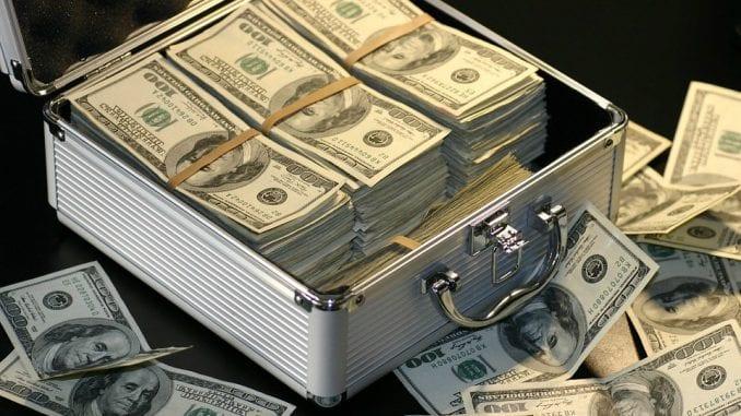 Deficit saveznog budžeta SAD dostigao rekordnih 207,8 milijardi dolara 1
