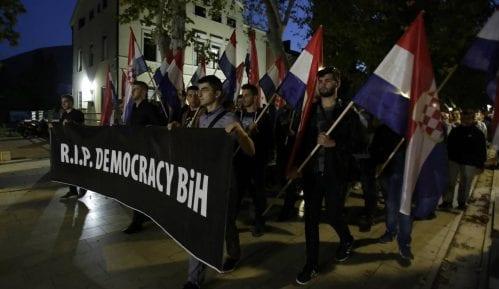 Oko 10.000 Hrvata na protestu protiv Komšića 13